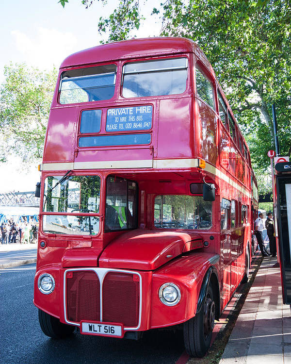 Dawn Oconnor Dawnoconnorphotos@gmail.com Poster featuring the photograph Red London Bus by Dawn OConnor