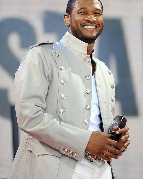 Abc Gma Concert With Usher Poster featuring the photograph Usher On Stage For Abc Gma Concert by Everett