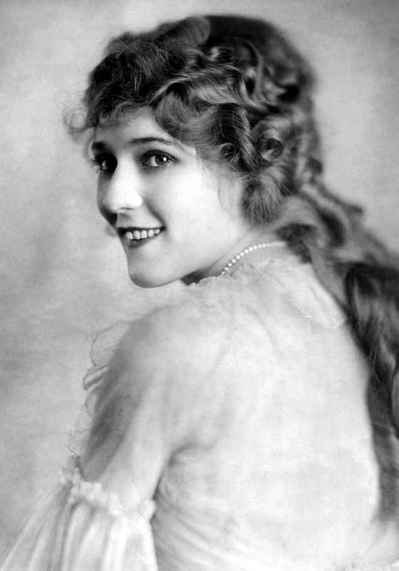 1910s Portrait Poster featuring the photograph Mary Pickford, Ca. 1918 by Everett
