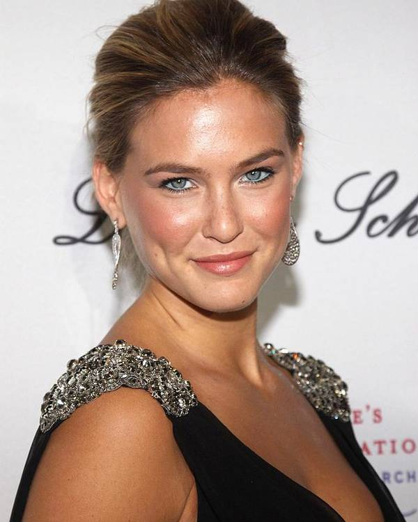 Bar Refaeli Poster featuring the photograph Bar Refaeli At Arrivals For The 2009 by Everett