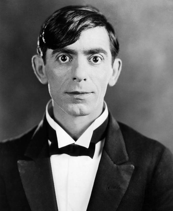 1920s Portraits Poster featuring the photograph Eddie Cantor, 1927 by Everett
