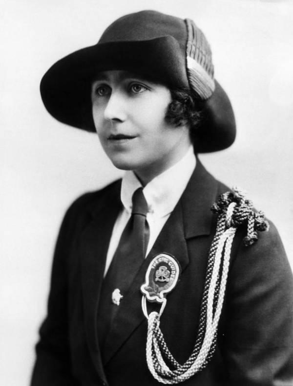 1910s Portrait Poster featuring the photograph Elizabeth Bowes-lyon 1900-2002, Future by Everett