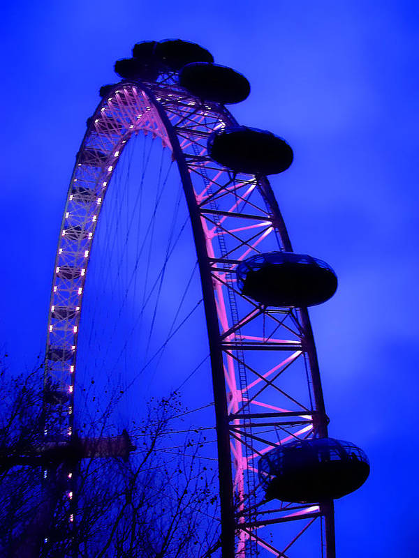 Eye Poster featuring the photograph Eye Of London by Roberto Alamino
