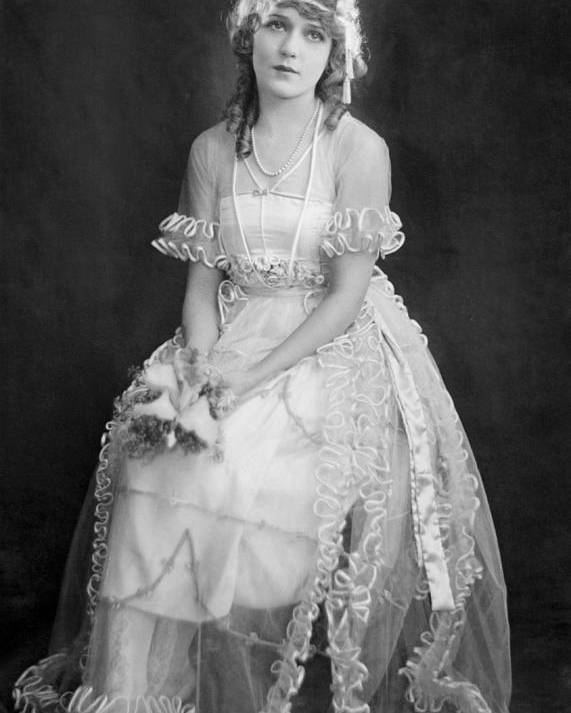 11x14lg Poster featuring the photograph Mary Pickford In Her Wedding Dress, 1920 by Everett