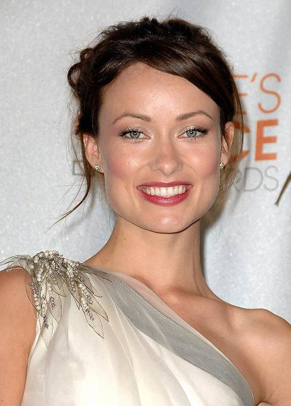 Olivia Wilde Poster featuring the photograph Olivia Wilde In The Press Room by Everett