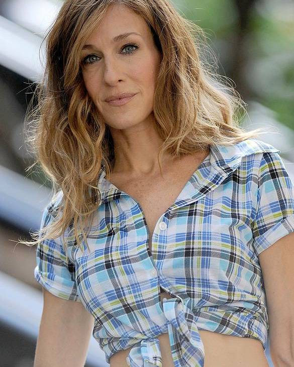 Sarah Jessica Parker Poster featuring the photograph Sarah Jessica Parker On Location by Everett
