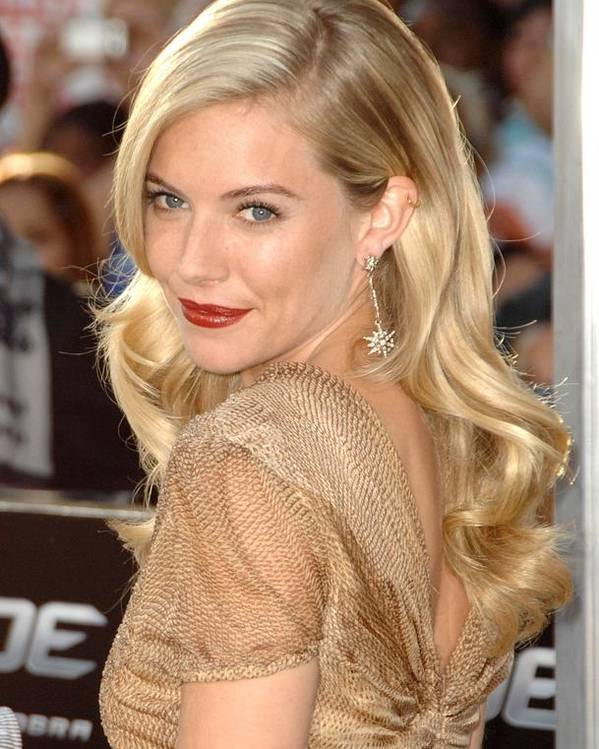 Sienna Miller Poster featuring the photograph Sienna Miller At Arrivals For Screening by Everett