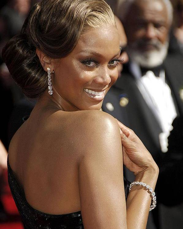 2000s Portraits Poster featuring the photograph Tyra Banks At Arrivals For 58th Annual by Everett