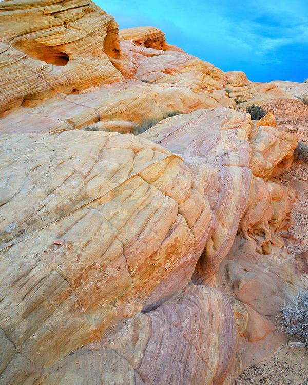 Valley Of Fire State Park Poster featuring the photograph Valley Of Fire by Ray Mathis