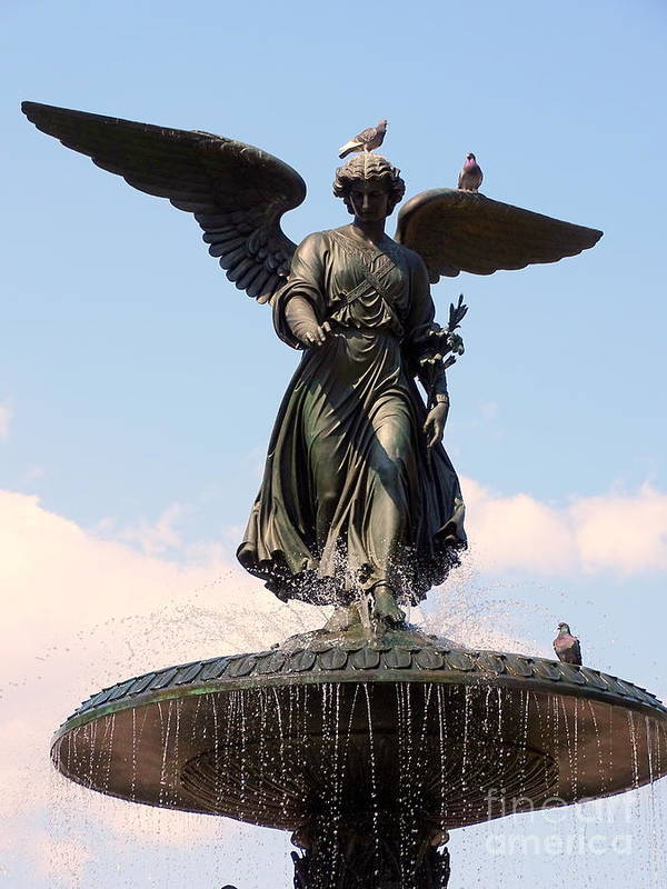 Statue Poster featuring the photograph Angel Of The Waters Pigeons by Ed Weidman