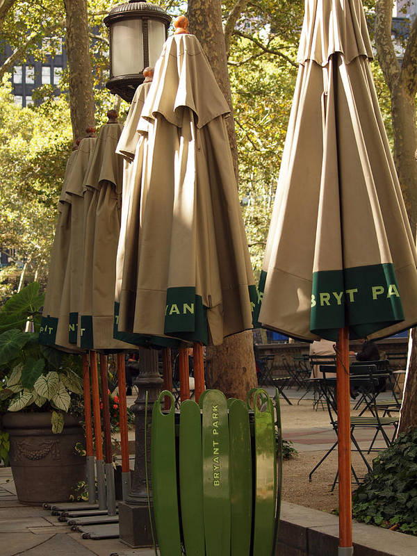 Landscape Poster featuring the photograph Bryant Park by Luis Lugo
