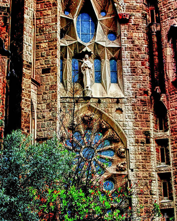 La Sagrada Famila Poster featuring the photograph Gaudi Barcelona by Tom Prendergast
