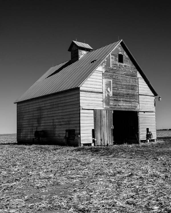 Illinois Poster featuring the photograph Lonely Old Barn Vertical by John McArthur