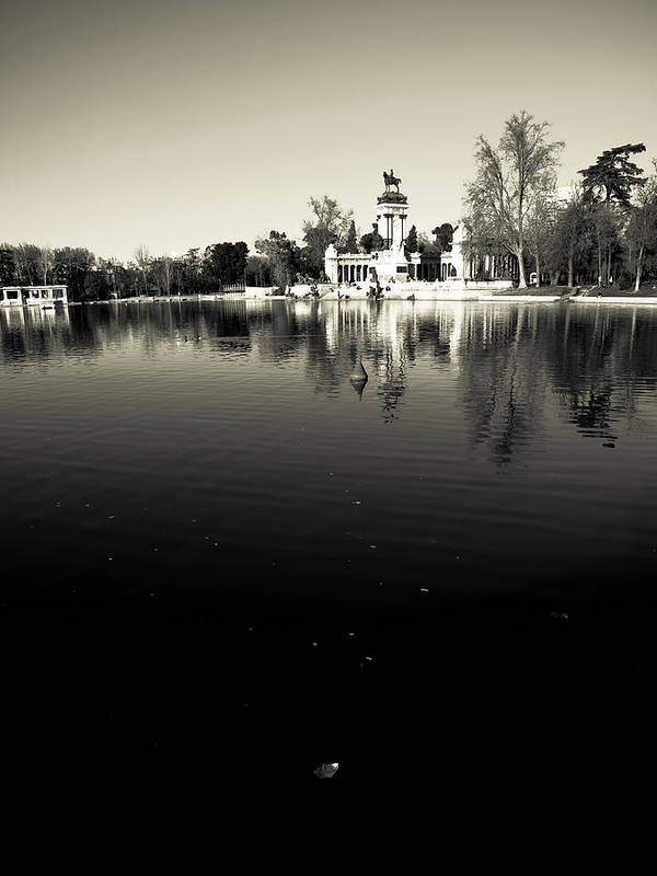 Water Poster featuring the photograph Retiro by Felix M Cobos