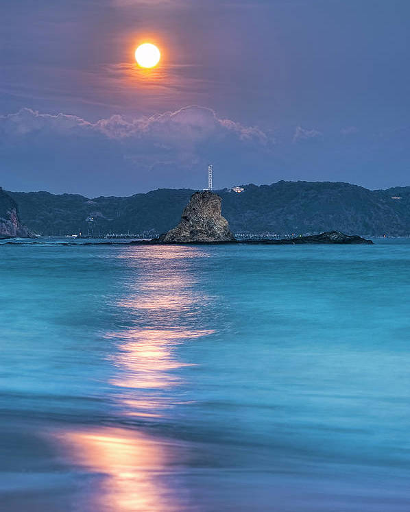 Vertical Poster featuring the photograph Sparkle Of Orange (full Moon) by Tommy Tsutsui
