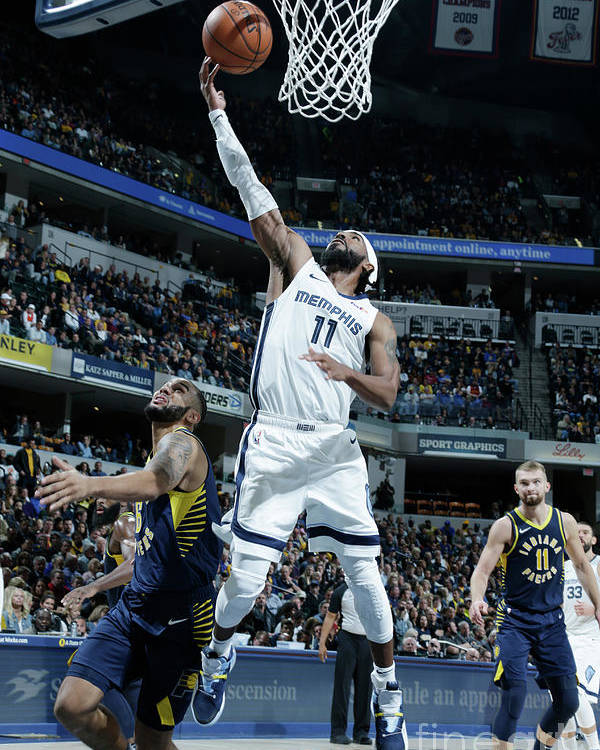Nba Pro Basketball Poster featuring the photograph Memphis Grizzlies V Indiana Pacers by Ron Hoskins