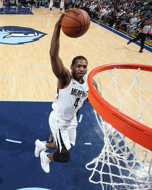 Nba Pro Basketball Poster featuring the photograph Sacramento Kings V Memphis Grizzlies by Joe Murphy