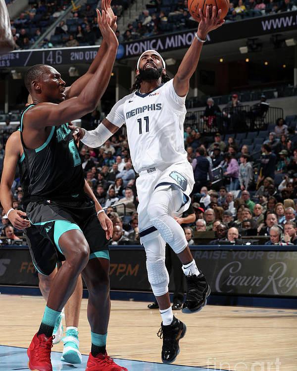Nba Pro Basketball Poster featuring the photograph Charlotte Hornets V Memphis Grizzlies by Joe Murphy