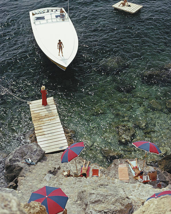 People Poster featuring the photograph Coming Ashore by Slim Aarons