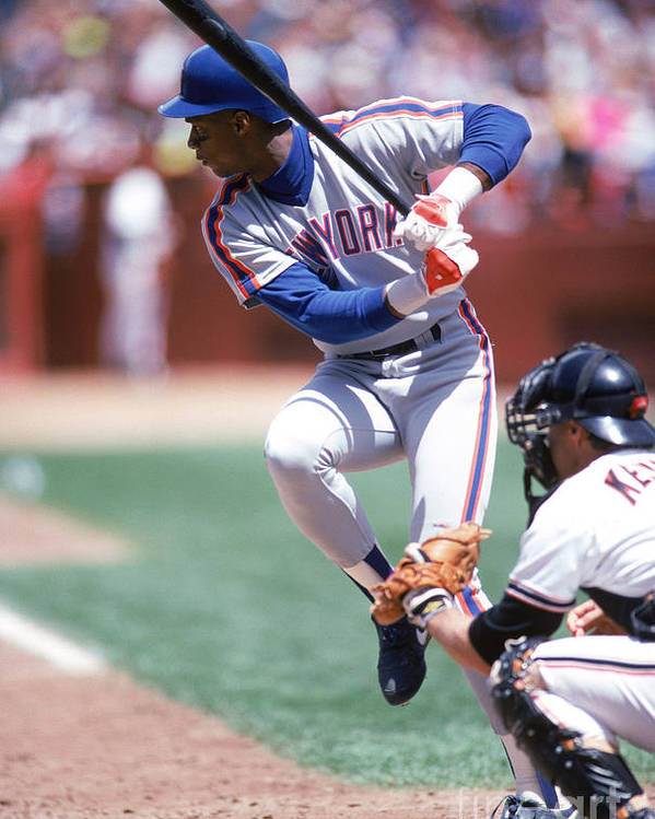 Sports Bat Poster featuring the photograph Darryl Strawberry by Michael Zagaris