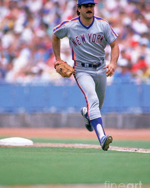 1980-1989 Poster featuring the photograph Keith Hernandez by Jon Soohoo