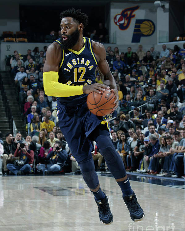 Nba Pro Basketball Poster featuring the photograph Tyreke Evans by Ron Hoskins