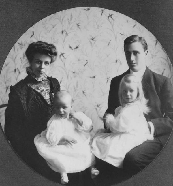 History Poster featuring the photograph Franklin D. Roosevelt And Young Wife by Everett