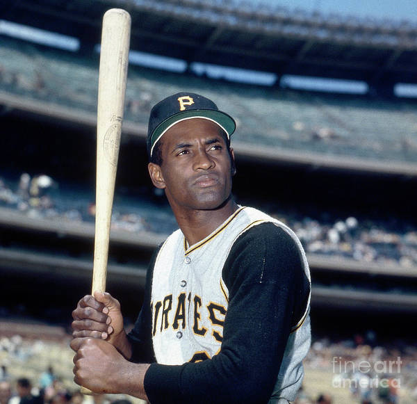 National League Baseball Poster featuring the photograph Roberto Clemente by Louis Requena