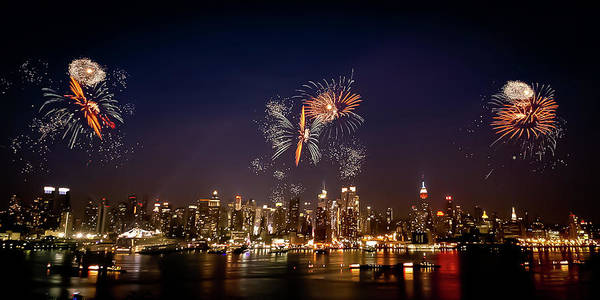 4th Of July Print featuring the photograph Macy's Fireworks Iv by David Hahn