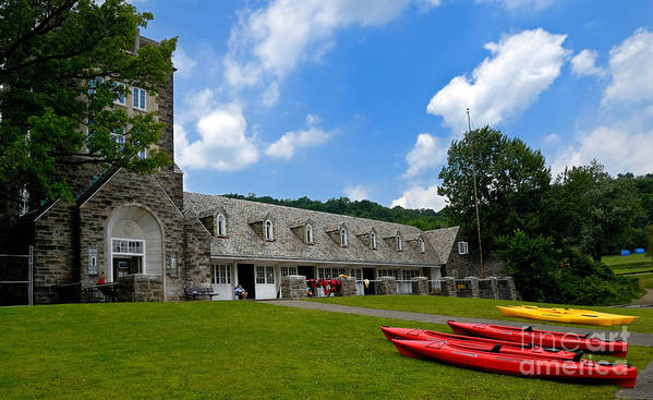2 Seat Print featuring the photograph Kayaks At Boat House by Amy Cicconi
