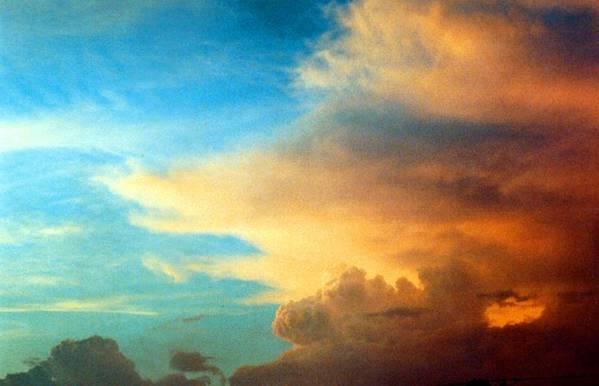 Cloud Art Print featuring the photograph 072006-14e by Mike Davis