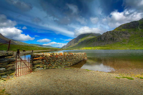 Hdr Art Print featuring the photograph Cwm Idwal by Adrian Evans