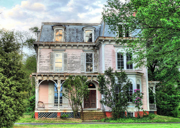 Elegant Elegance Old Rustic Victorian Home House Pink Historic Delmarva Maryland Md Pink Haunted Haunting Cecilton Route 213 Art Print featuring the photograph Aged Elegance by JC Findley