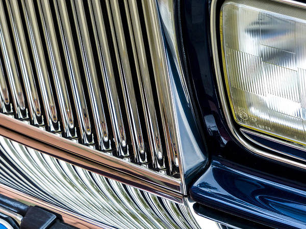 Rolls Royce Art Print featuring the photograph Rolls Royce Headlight And Grille by Robert Grant