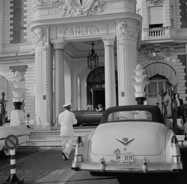 People Art Print featuring the photograph The Carlton Hotel by Slim Aarons