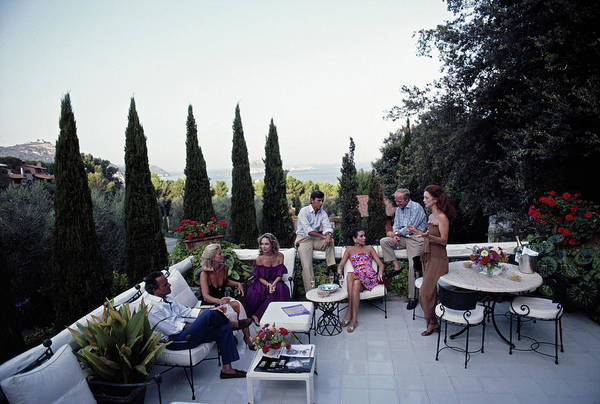 1980-1989 Art Print featuring the photograph Scio Guests by Slim Aarons