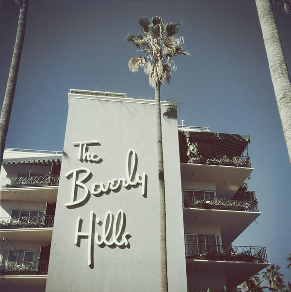 1950-1959 Art Print featuring the photograph Beverly Hills Hotel by Slim Aarons
