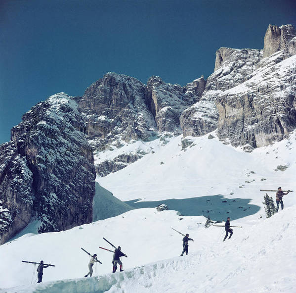 Skiing Art Print featuring the photograph Cortina Dampezzo by Slim Aarons