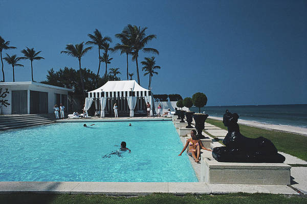 1980-1989 Art Print featuring the photograph Molly Wilmots Pool by Slim Aarons