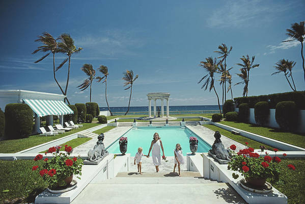 1980-1989 Art Print featuring the photograph Neo-classical Pool by Slim Aarons