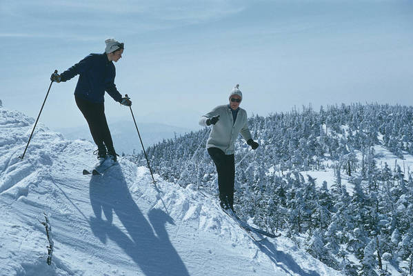 Skiing Art Print featuring the photograph Skiers At Sugarbush by Slim Aarons
