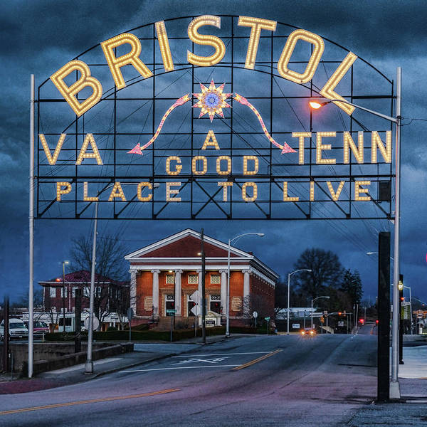 The Bristol VA / Tenn Sign after dark