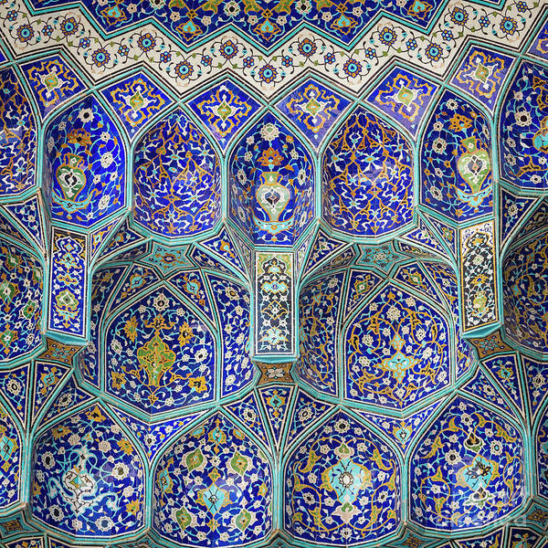 Details of Sheikh Lotfollah Mosque in Isfahan, Iran by Mariusz Prusaczyk