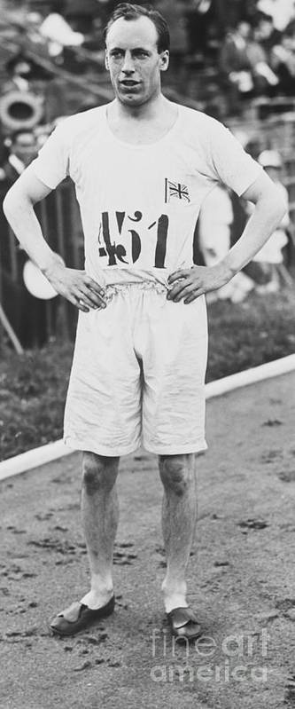 The Olympic Games Art Print featuring the photograph 1924 Olympic 400-meter Winner Eric by Bettmann