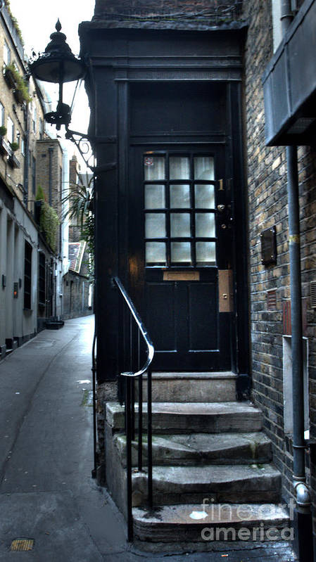 London Art Print featuring the photograph Goodwins Court by Deborah Smolinske