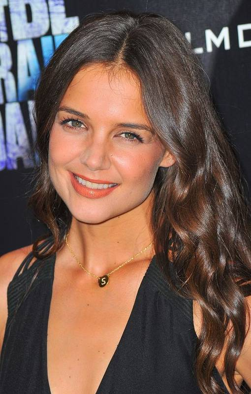 Katie Holmes Art Print featuring the photograph Katie Holmes Wearing A Jennifer Meyer by Everett