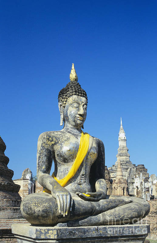 Ancient Art Print featuring the photograph Wat Mahathat by Gloria & Richard Maschmeyer - Printscapes