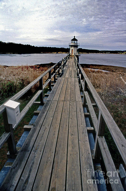 Lighthouses Art Print featuring the photograph Doubling Point Lighthouse by Skip Willits