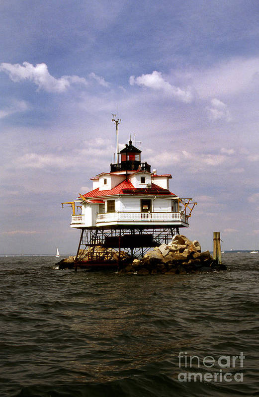 Lighthouses Art Print featuring the photograph Thomas Point Shoal Lighthouse by Skip Willits