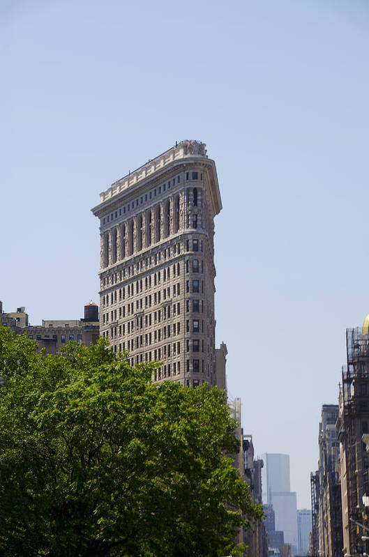 Flat Art Print featuring the photograph Flat Iron Building by Bill Cannon